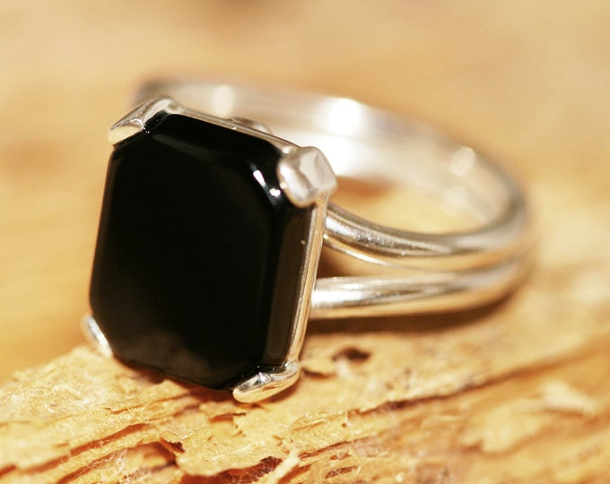Black Onyx Ring fitted in Sterling Silver setting. Onyx ring. Onyx and silver ring. Onyx jewellery. Emerald shape designer Onyx ring.