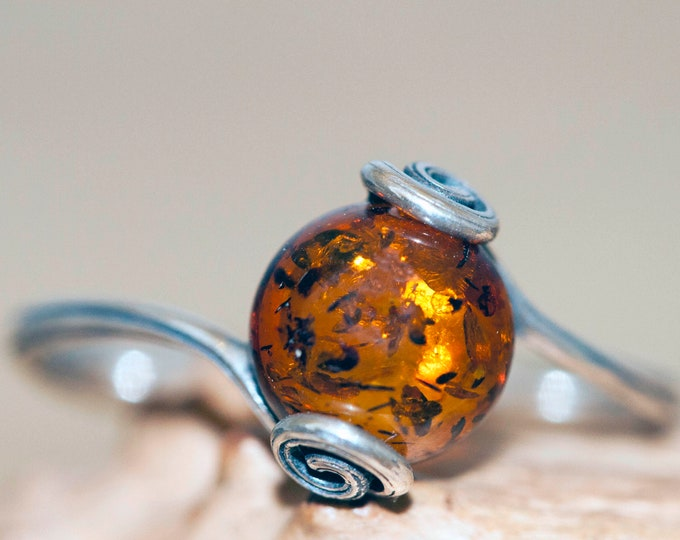 Baltic amber ring. Baltic amber in sterling silver setting. Celtic style design. Elegant ring. Medieval ring. Perfect gift. Handmade ring.