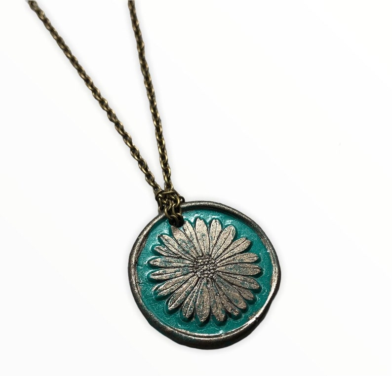 alternative floral pendant unique floral jewellery Handmade gothic daisy pendant polymer clay pendant black daisy pendant Mothers day