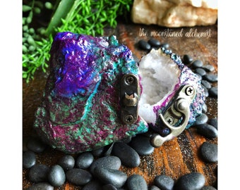 COLOR CHANGING Unicorn Egg Quartz Crystal Geode Ring Box with latch - engagement proposal wedding - dragon egg thermal geode crystal