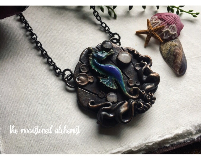 Moodring Seahorse Amulet with three Moonstone Crystals - hand sculpted Clam Shell Necklace with Coral Reef & color morphing seahorse