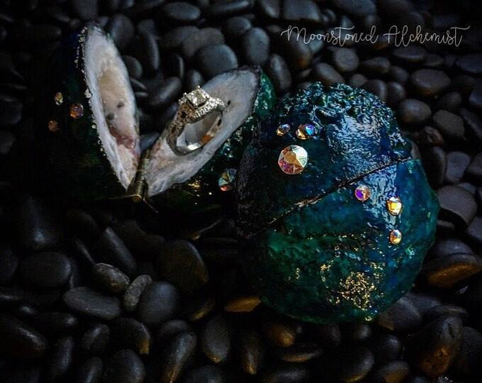 COLOR CHANGING Dragon Egg High Quality Quartz Crystal Geode Ring Box with Swarovski Crystals - engagement proposal wedding - pocket size