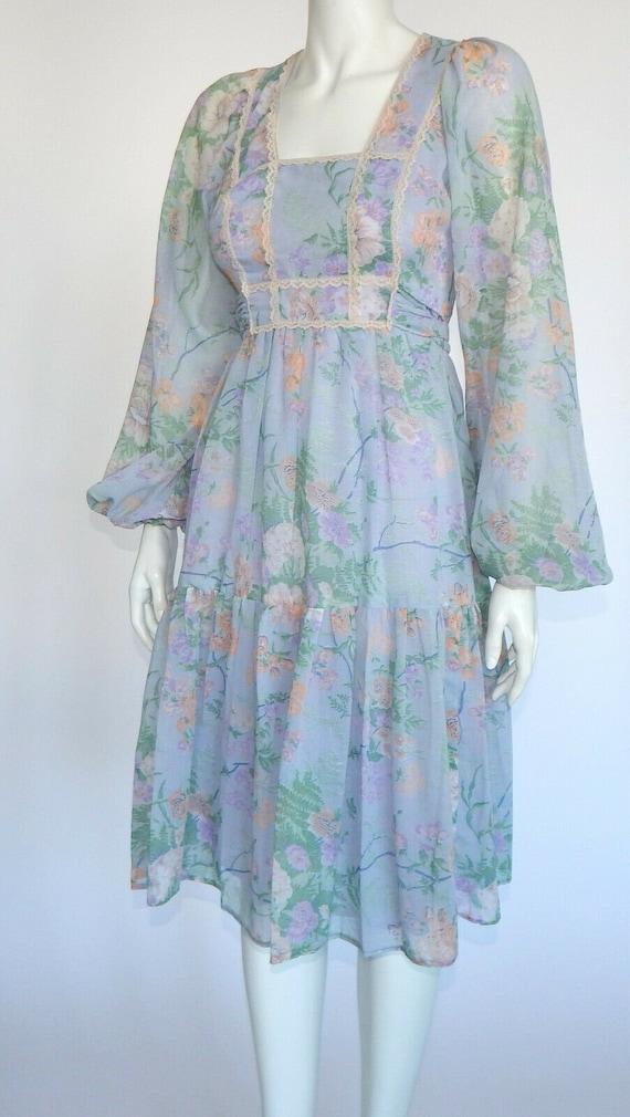 Vintage 70s JODY T Prarie Lavender Floral Lace Bis