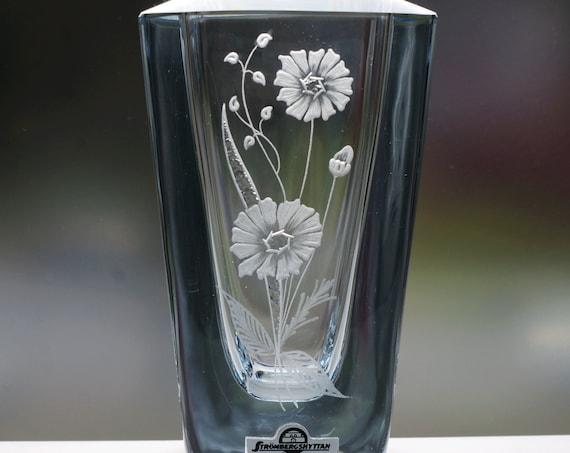 "Strömbergshyttan 6.25"" Blue Glass Vase, Swedish Provincial Flower of Östergötland"