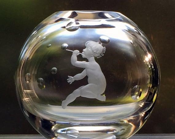 Orrefors Lindstrand Large Crystal Globe Vase, Nude Child Blowing Bubbles, 1930s Sweden