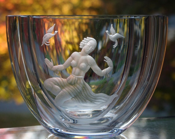 Värends Konstglas, Emil Weidlich, 1940's Swedish Crystal Vase, Copper-Wheel Engraved Semi-Nude Woman,