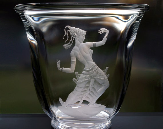 Orrefors Simon Gate Javanese Dancer HUGE Footed Bowl, 1930s Design, 1950s Production, XXL Copper-Wheel Engraved Swedish Crystal