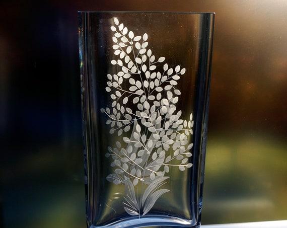 """Peill German Crystal 9.5"""" Vase, 2-sided Engraving, Moonline Flowers"""