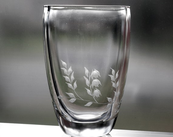 Ekenäs Engraved Crystal Vase Swedish Flowers