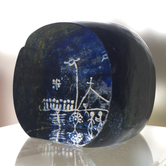 Vintage Swedish Glass Paperweight 1967 Lappland Series, Designers Ann and Göran Wärff, Primitive Petroglyph Reverse Image Engraving, Cool!