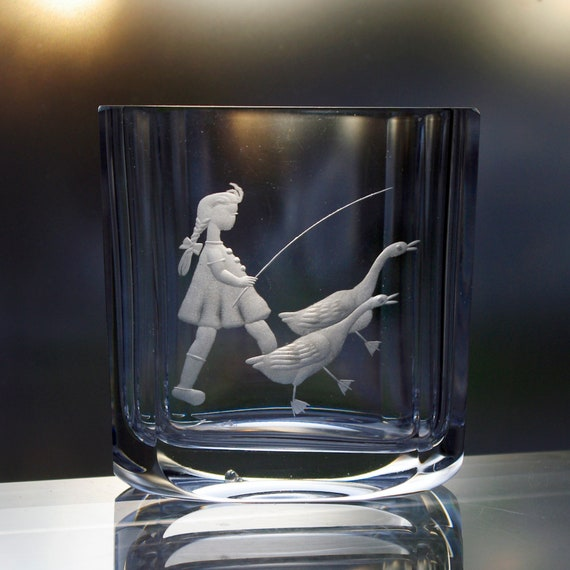 Boda Vintage Swedish Crystal Vase with Farm Girl and Two Geese, 40s - 50s