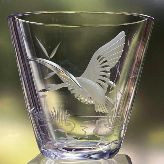 Kjellander Flying Duck or Goose with Shiny Wings, Engraved Swedish Lead Crystal Vase
