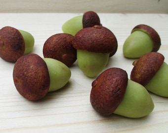 Marzipan Acorns (9) - fondant acorns - fall cake decorations - 3D acorn wedding decorations - acorn cake - marzipan acorn cake decorations