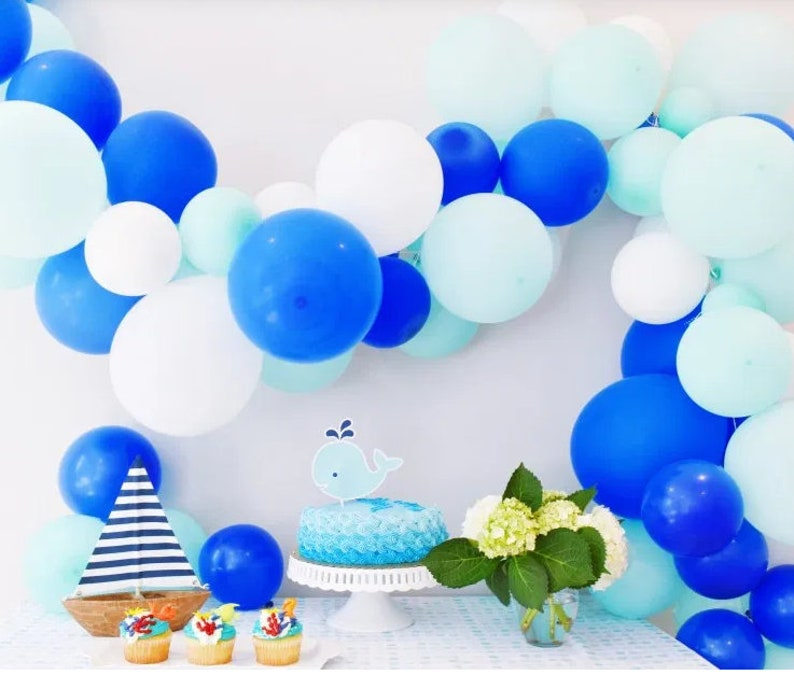 Kit ballons dans les tons bleus - Créatrice ETSY : InspiredbyAlma