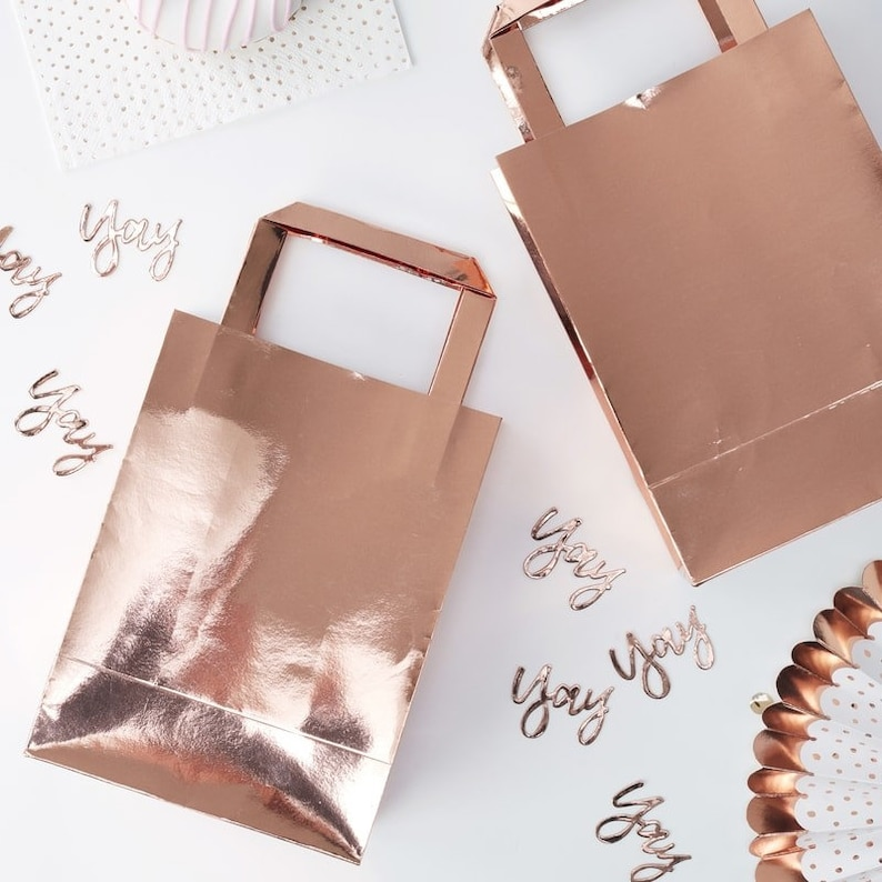 86c416fc83792 Rose Gold Party Bags//Birthday Favours Gift Bag/Wedding Favours/Birthday  Gifts/Wedding Gifts/Party Treats/Birthday Party Decorations.