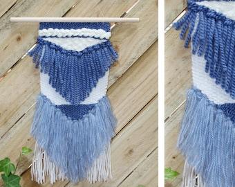 Wool wall weaving