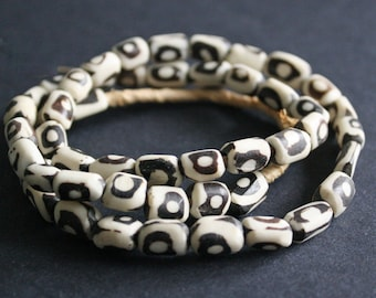 50 African Bone Beads, Kenyan Ethnic 'Batiked'8-12, mm for Jewellery Jewelry and Crafts, Handmade, KB101903