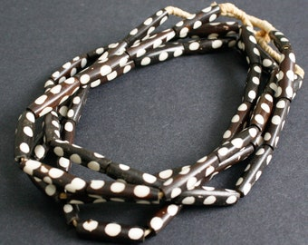 African Bone Beads, Kenyan Ethnic 'Batiked' Tubes, for Jewellery Jewelry and Crafts, Dark Brown/Cream, 25-28 mm,