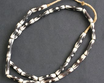 12 African Bone Beads on Strand, Kenyan Ethnic 'Batiked' 25 mm Tubes, for Jewellery Jewelry and Crafts,