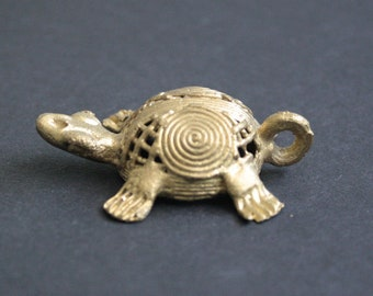 African Brass Pendant or Charm, Turtle, Handmade Ashanti Ghana Lost Wax, 55 mm