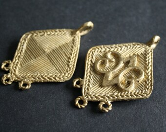African Brass Metal Pendant, Handmade, Unusual and Differen, Adinkra* Design, Symbol of Endurance/Plain Design