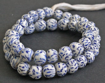 15 African Beads, Round Refashioned Glass from Ethnic Krobo in Ghana, Handmade 13-14 mm, Off white/Blue