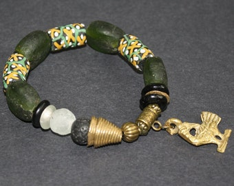 African Jewelry, Stretchy Bracelet Recycled Glass & Brass Beads, with Adinkra Sankofa Charm, Small Gift for her, Green/Black/Gold