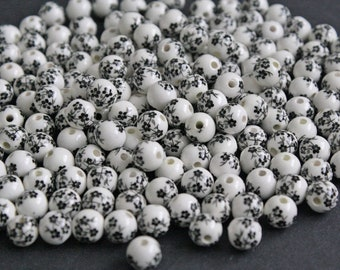 8 mm Porcelain Beads, Pack of 20, Round, White/Black Flowers