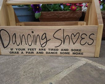 a271f43b782b6 Flip flop crate. When your feet get tired. Wooden engraved. Wedding party