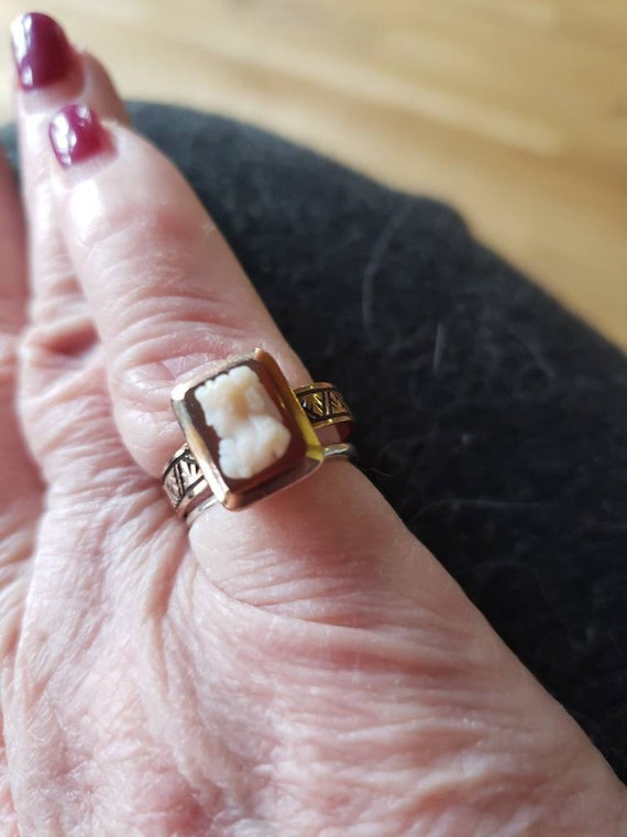 Vintage Victorian Rose gold coral cameo ring