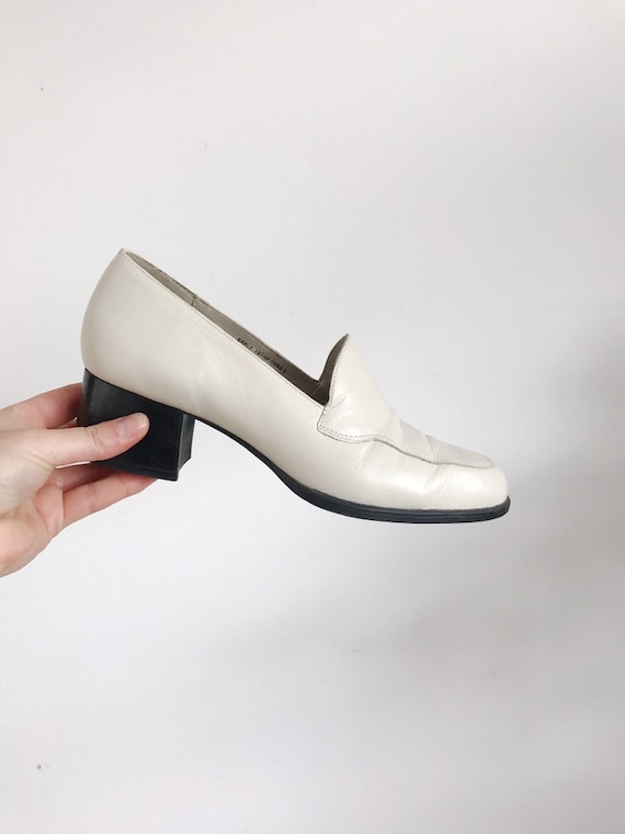 vintage white heeled loafer size 7.5