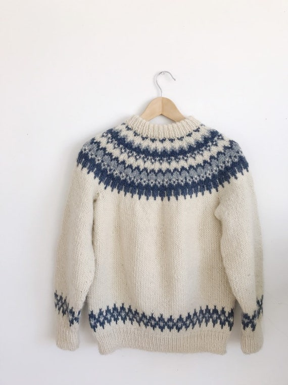 cowichan wool pull-over sweater
