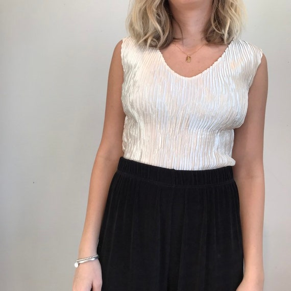 vintage pearl sleeveless top
