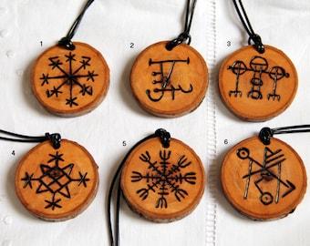 pendentif viking en bois grav vegvisir talisman amulette. Black Bedroom Furniture Sets. Home Design Ideas
