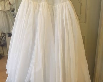Very nice underskirt, petticoat from France with 5 layers around the fifties