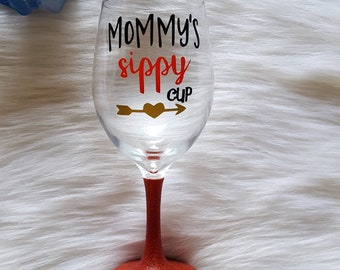 Mommy's Sippy Cup Glitter Wine Glass // Mom Gift // Glitter Wine Glass // Mother's Day Gift // Wine Gift // Mother's Day // Glitter Cup