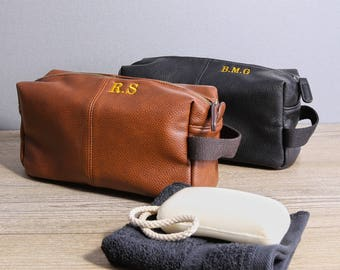 e6ec4bee10 Personalised Vintage Style Wash Bag Set