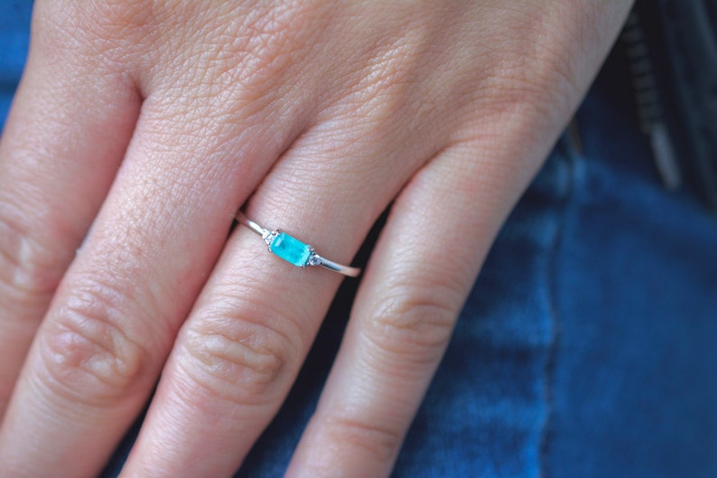 minimalist ring Baguette emerald cz ring in sterling silver stackable ring