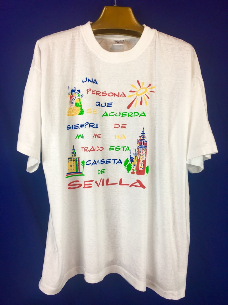 ff3c8b574ecf8 Vintage travel souvenir T-shirt Seville Spain size XL vintage