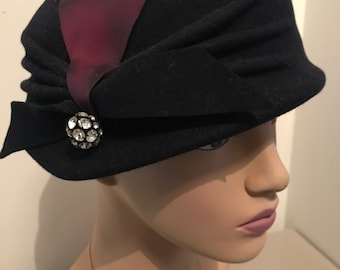 cc5a8dcff73 A 1950s Vintage Christian Dior Navy reproduction hat with purple ribbon