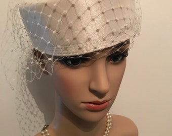 04760e8d2ef3a 1980s vintage white wedding pillbox hat