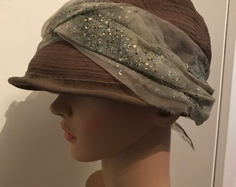8812d6d354597 A vintage 1970s french cloche hat