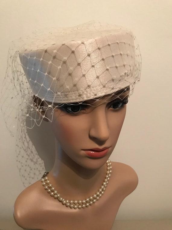 1980s vintage white wedding pillbox hat
