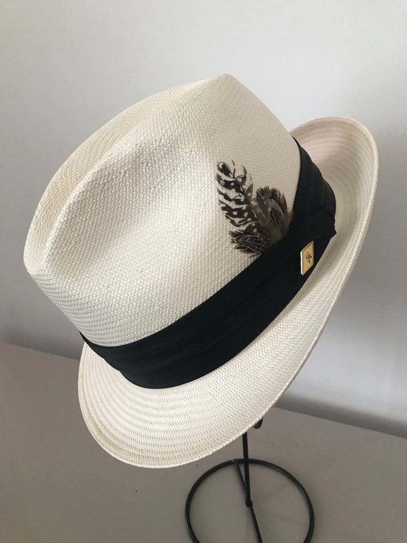bed69dad9 A men's Stacy Adams ivory Panama hat