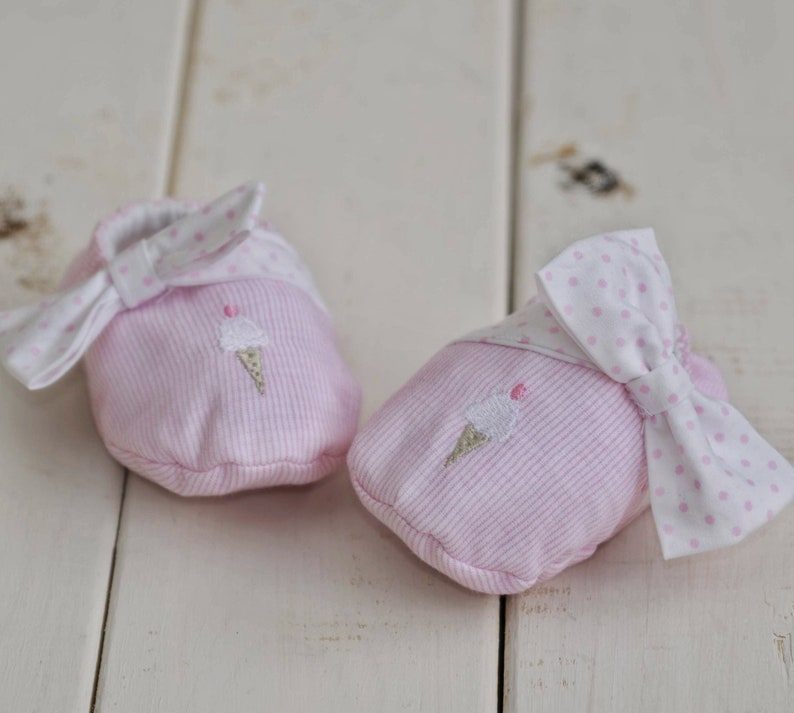 22a536084401f3 Crib shoes. Baby girl shoes. Soft shoes. Fabric shoes. Fancy