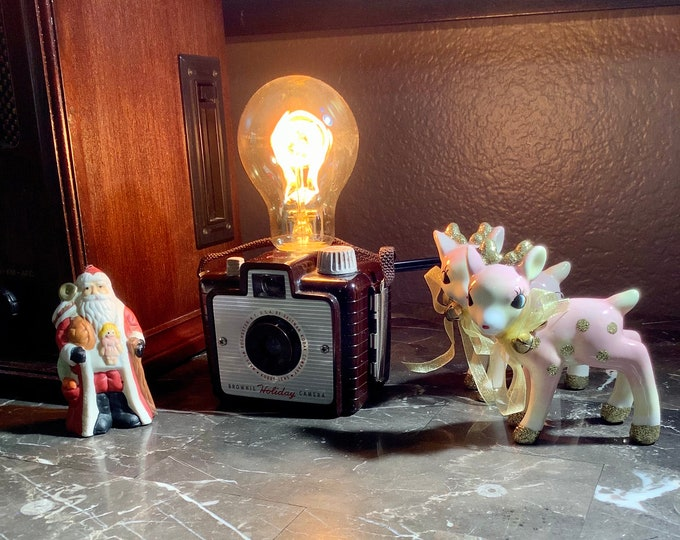 Lighting Lamp . Vintage Brownie camera lamp. Perfect gift for photographers. Unique gift.