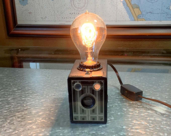 Lamp lighting. Box Brownie camera lamp. Upcycled beautiful brownie camera . Perfect photographers gift. Unique. With dimmer switch.