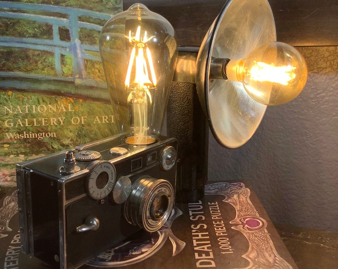 Argus classic camera . Accent lamp