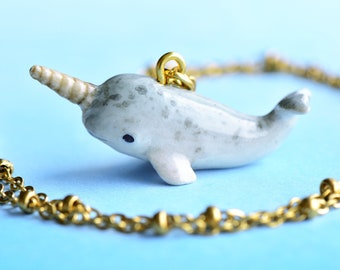 NEW OCEAN LIFE ENDANGERED WHALE DANGLING USA CAST PEWTER CHARM EARRINGS WHALES