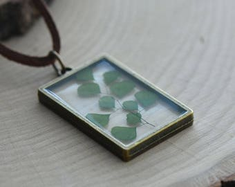 Double Sided Glass Nature Preserved GREEN Leaf Necklace - Vintage Style (BC033)